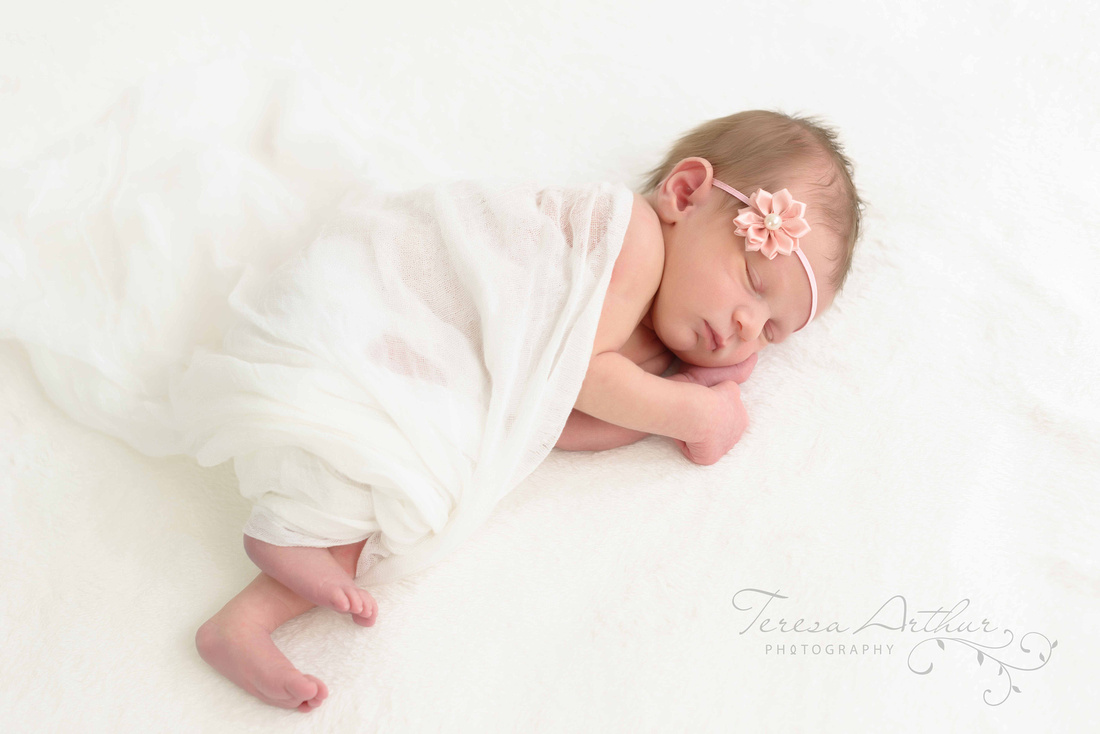 clean and simple newborn portrait