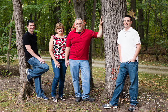 outdoor family portrait by teresa arthur photography, warrenton virginia