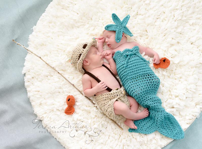 newborn photographers for twins in virginia