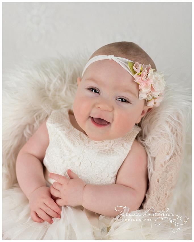 BABY PHOTOGRAPHER TERESA ARTHUR IN WARRENTON VIRGINIA