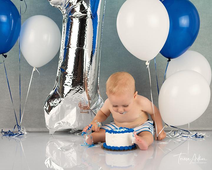 baby photograher in fauquier county va cake smash photos