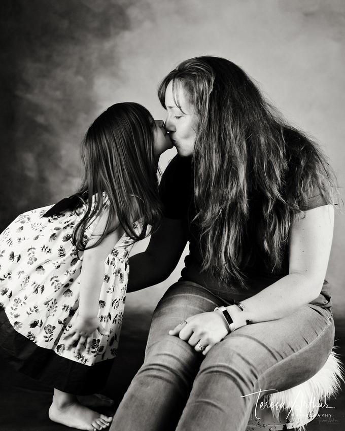 family photographer teresa arthur is located in warrenton va.