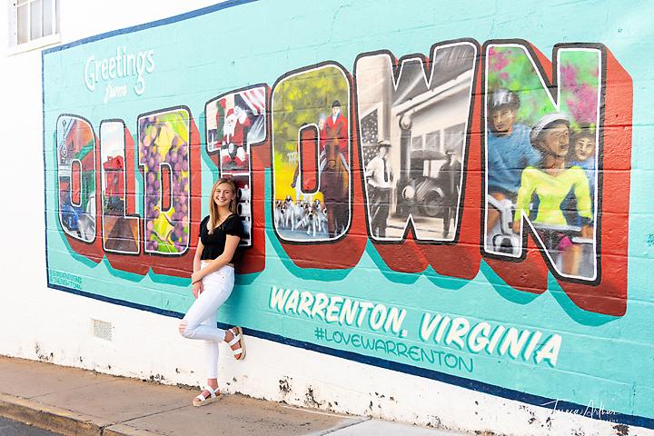 senior portraits in downtown warrenton va