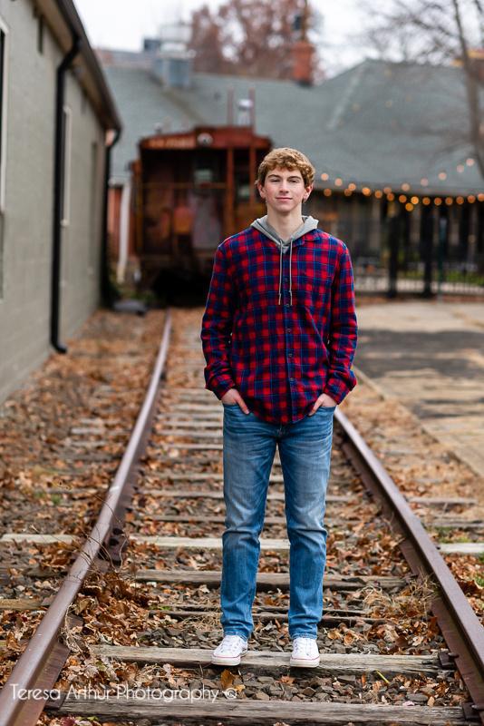 downtown warrenton va high school senior portrait