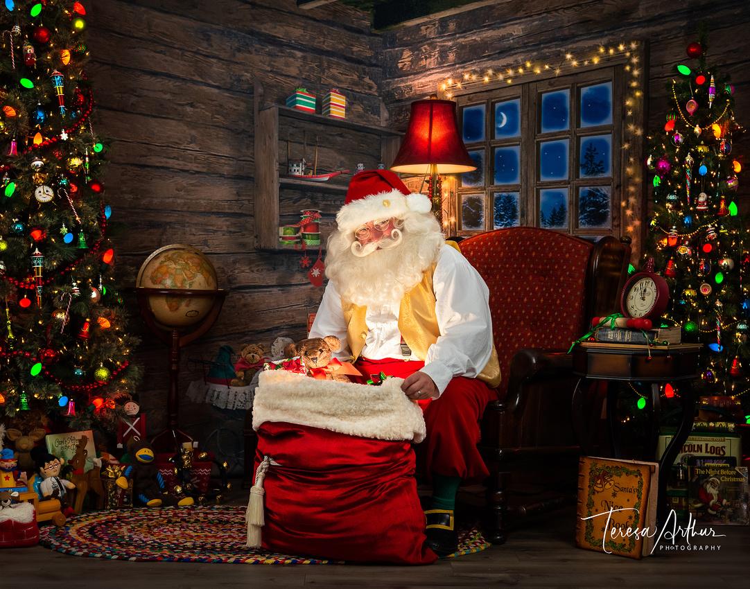 NOVA SANTA Warrenton Santa - portrait by Teresa Arthur Photography