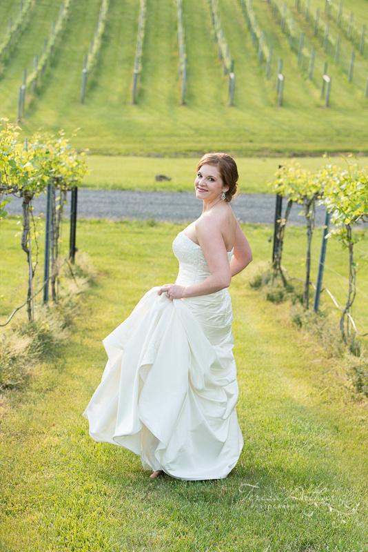 VINEYARD BRIDAL PORTRAITS NORTHERN VIRGINIA