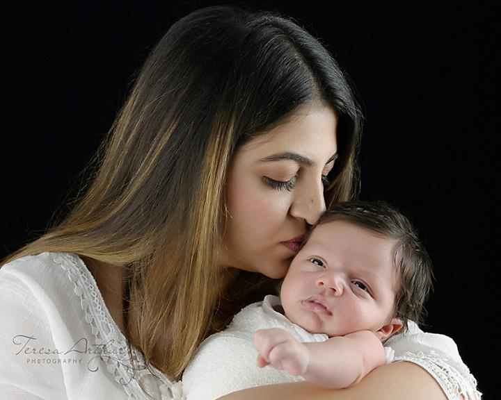 mother and newborn portraits in nova area