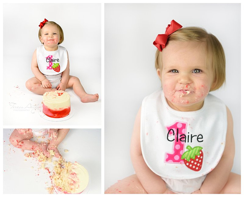 cake smash picture one year