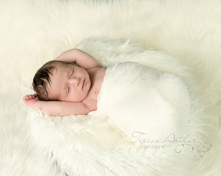 Newborn Portrait by Teresa Arthur