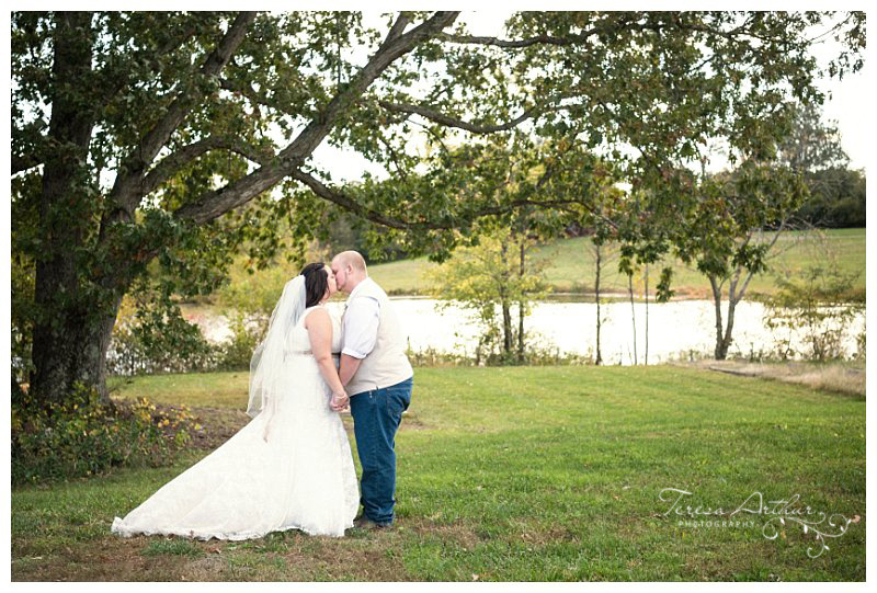 Outdoor wedding pictures fauquier county